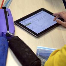 Κακοστημένη Πρωταπριλιάτικη φάρσα η χορήγηση Η/Υ σε μαθητές και σχολεία